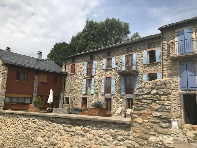 Les Cariolettes // Gîte & Couvert