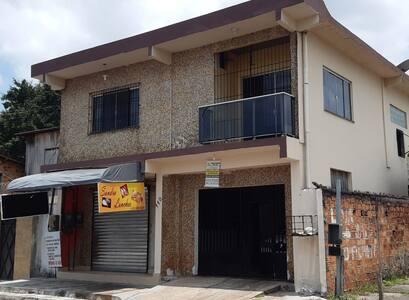 Casa da Família Carvalho - Quarto B