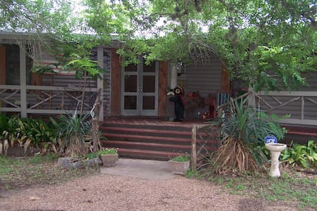 Lodge On Lake Siesta - La Grange - Chatka