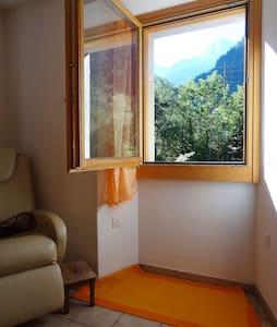 Im Bergell gemütliche Wohnung am Fluss - Promontogno