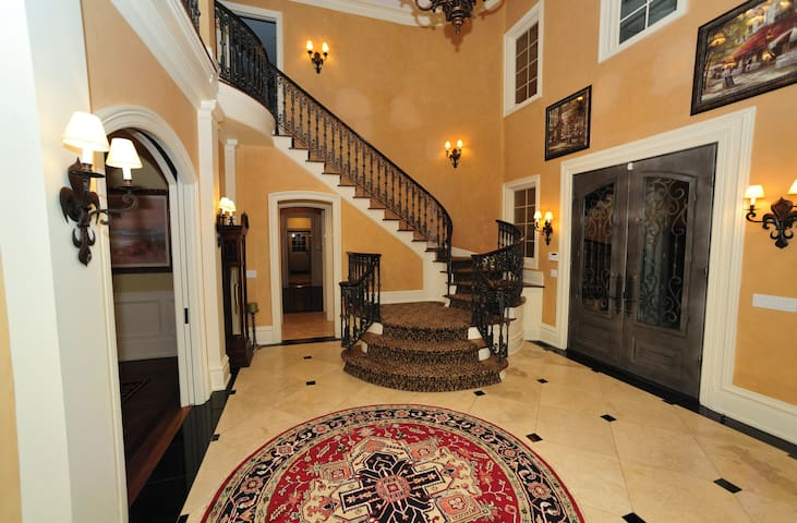 Exquisite, Luxurious 5 Lovely Acre Darien Mansion