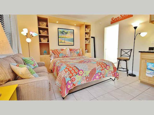 RORL203 - Redington Beach Delightful Efficiency in Jazzy New Orleans Themed Complex - Redington Beach