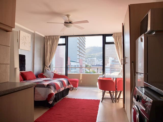 Cosy Studio Apt.  in the heart of The Mother City