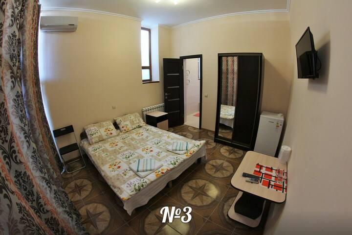 Двухместный стандарт с двумя односпальными кроватями. Первый этаж.