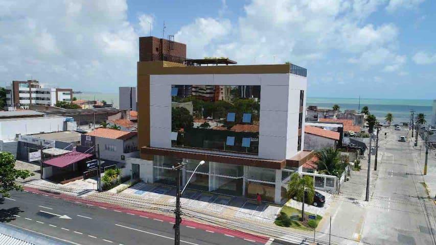 UNO Flats #10 - luxo pertinho da praia
