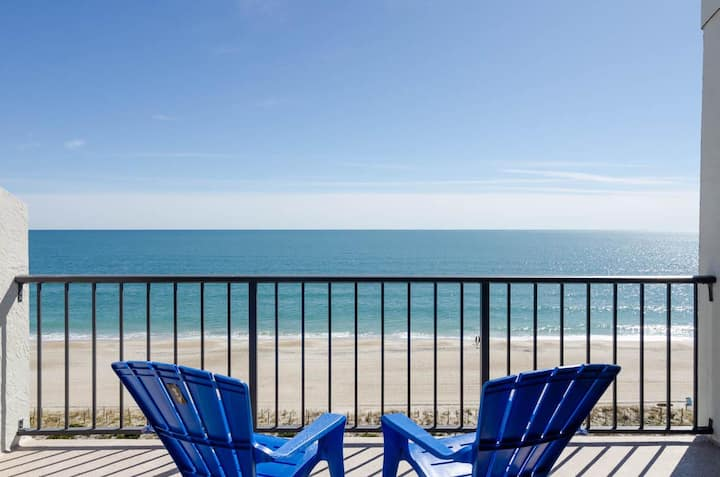 High Seas-Wonderful top floor ocean front condo with pool and gorgeous views