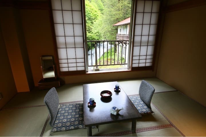 Hot spring, with breakfast and dinner, Japanese style room, bedding. Free Wi-Fi, overlooking view of waterfall & streams