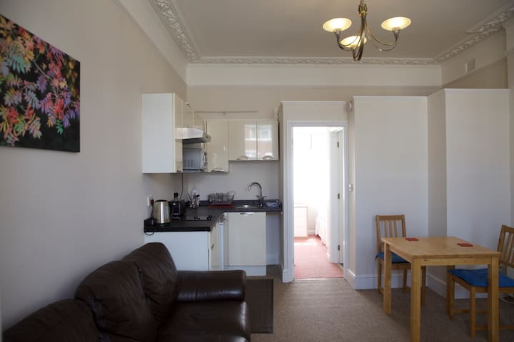 Self contained ground floor flat - Southampton - Flat