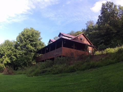 Starlite Retreat Cabin.