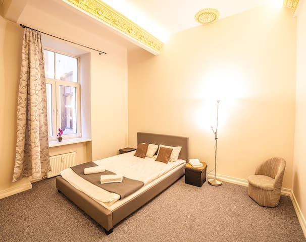 Fresh two-bedroom apart in the very center of Riga - Ryga
