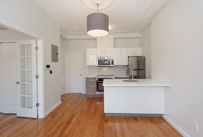 renovated one bedroom in our beautiful townhouse