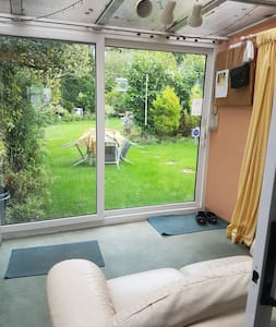 Rooms close to Luton Airport  Hospital & Amazon
