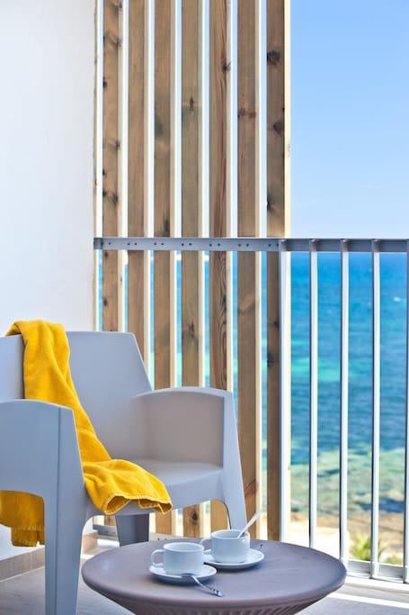 3-bedroom apt. sea view