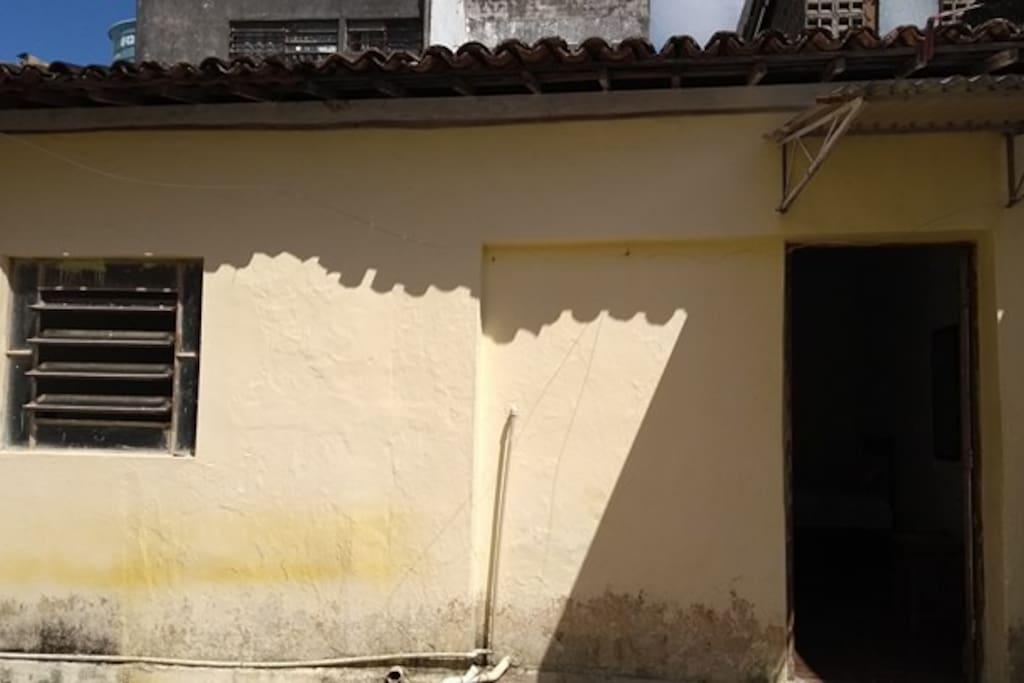 frente da casa dos fundos