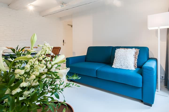 Chic One-Bedroom Apartment at Yays Zoutkeetsgracht