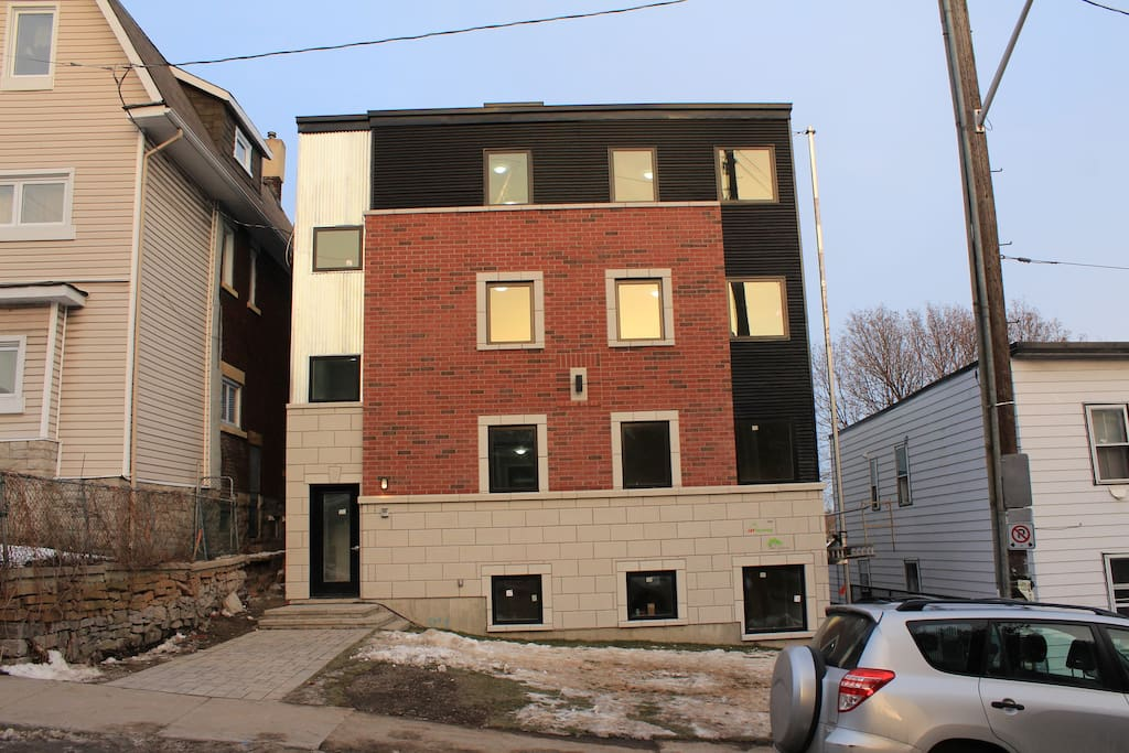 A recently built apartment only a 10-minute walk away from the heart of Ottawa.
