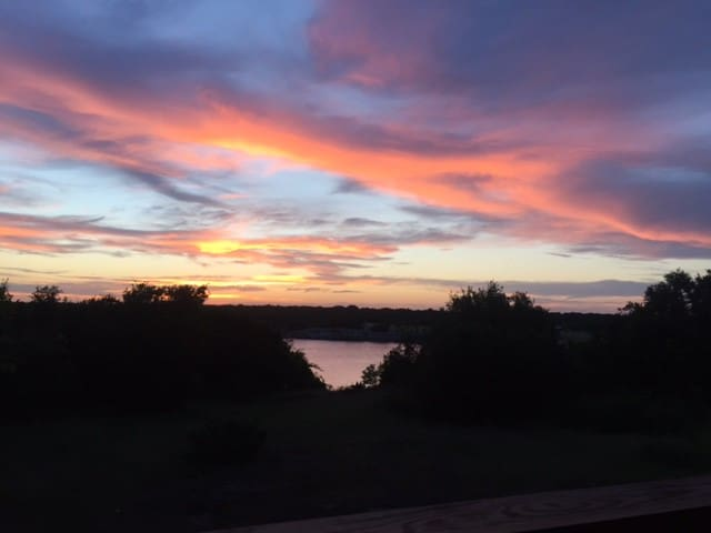 Sunset Cove on Lake Whitney