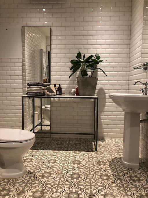 Wonderful bathroom rental part