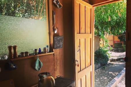 Habitación rústica.  Pisco Elqui. Chile