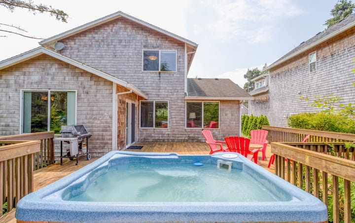 Family-Friendly Updated Rockaway Home with Hot Tub, plus Easy Walk to Beach!