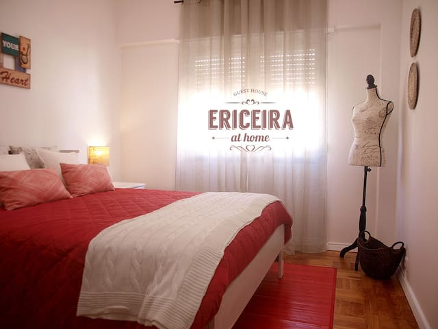 2: ERICEIRA room . double bed