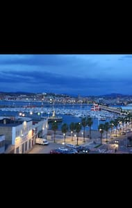 Habitación doble y baño Santurtzi puerto de Bilbao
