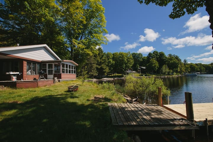 Cozy Cabin steps from Flambeau Flowage