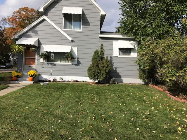 Westside Home near downtown Grand Rapids!