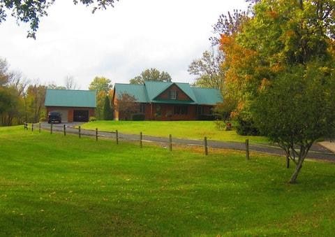 Bult Family Lakeside Lodge