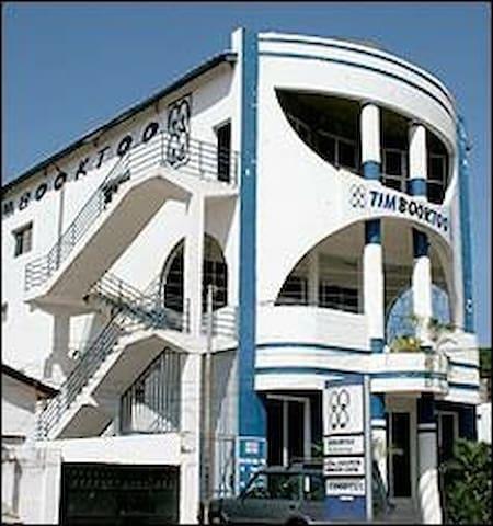 Timbooktoo top floor apartment