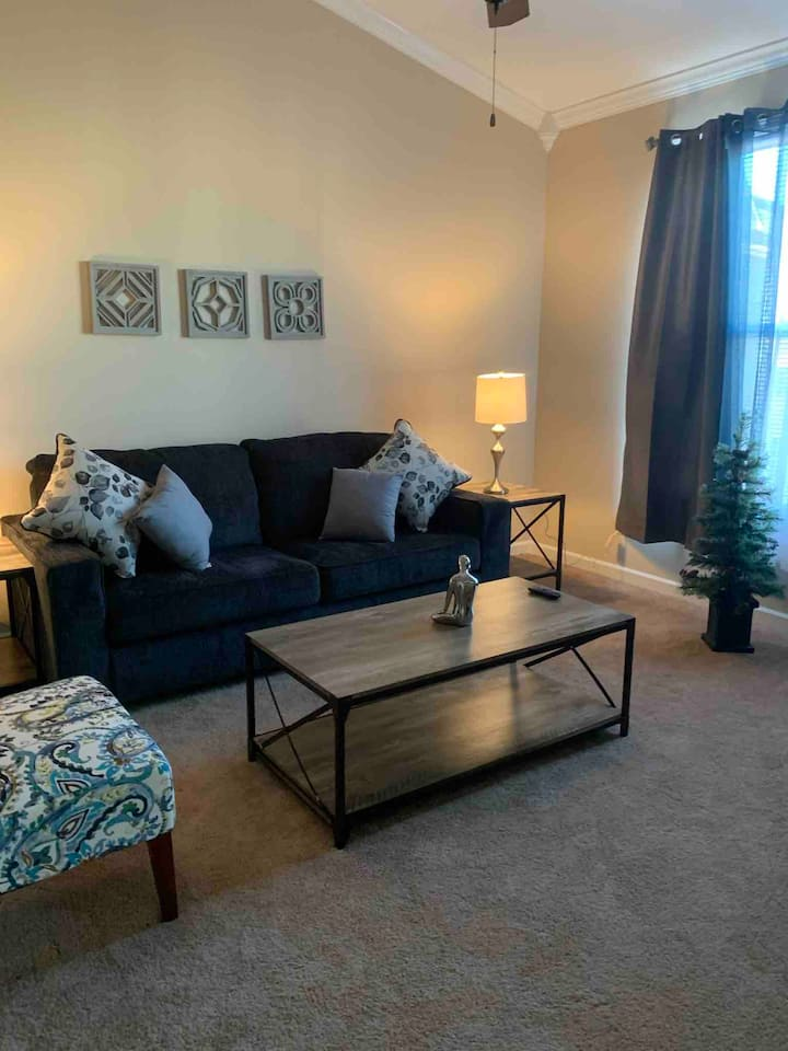 Beautiful Apt. 8 Mins from Downtown Bham.
