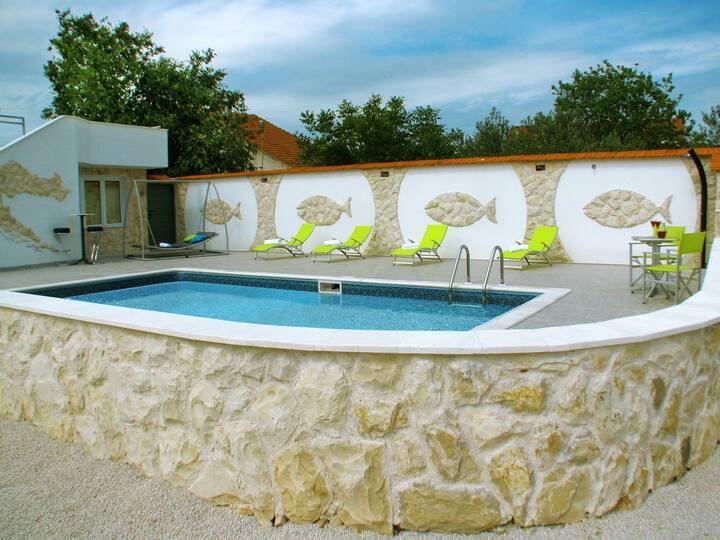 Haus + Pool Vodice mit Riesengarten