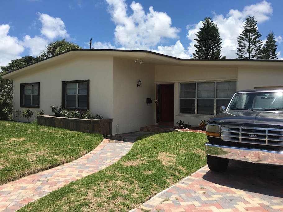 Garage & spacious parking available!
