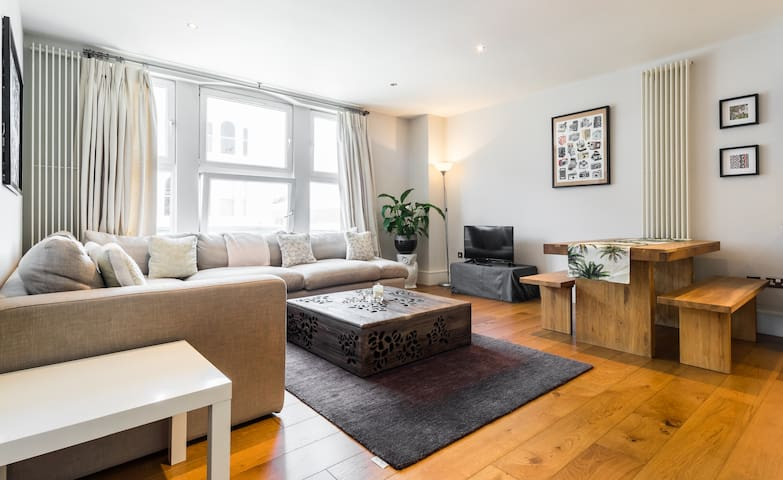 Spacious 2 bed in Battersea, close to Chelsea