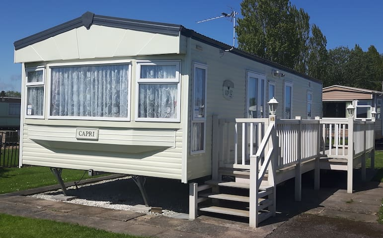 Caravan 6 berth North Shore Holiday Centre