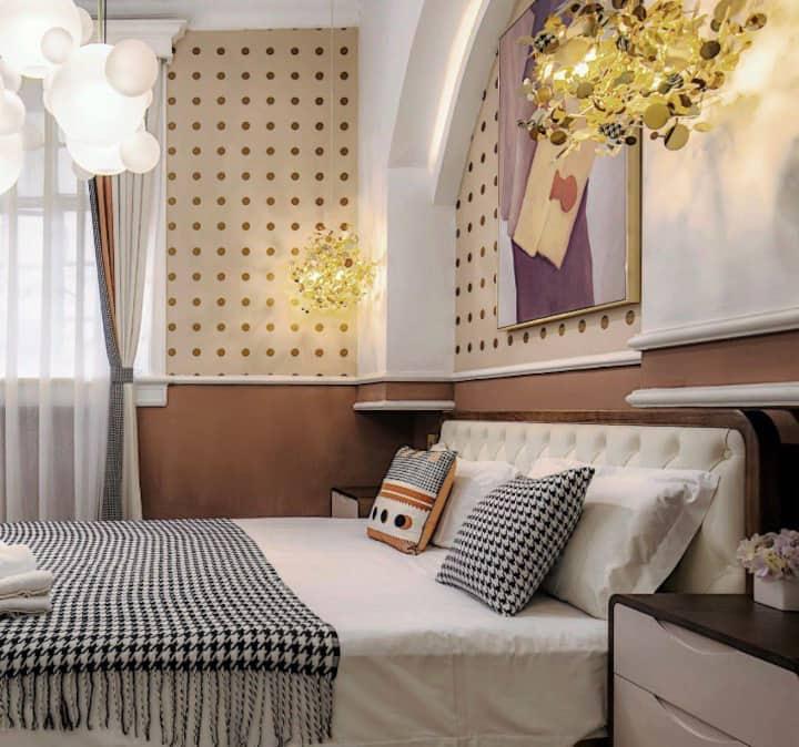 摩洛哥雙人房 / 近景美夜市