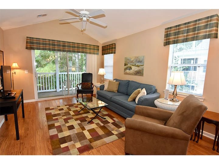 Caddie Shack II Condo w/ Golf Course views