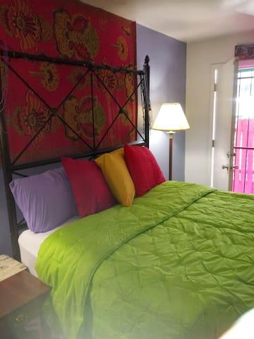 Casa Verda Private Rm PRIME AREA $66 PARK FREE