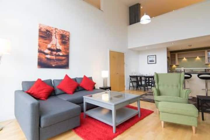 Large fabulous 3 Bedroom Duplex, Glasgow City