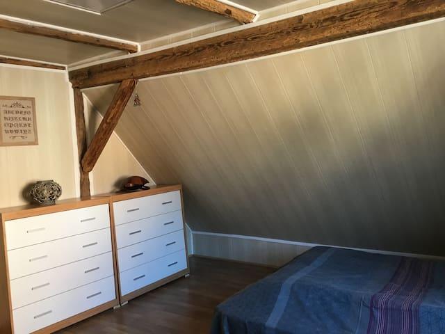 Petite chambre à la campagne