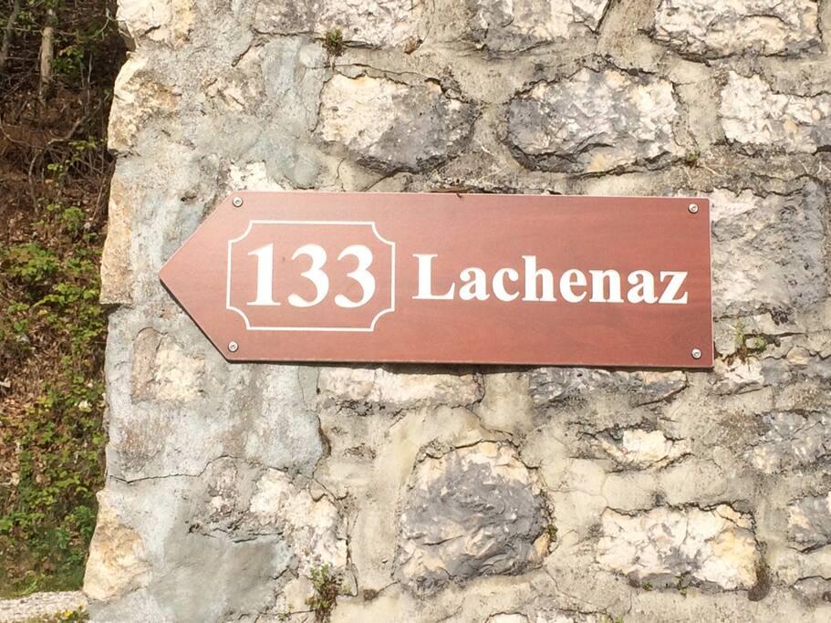 A mi-chemin entre Annecy et Genève, et après quelques virages, vous voici arrivés à votre lieu de séjour...