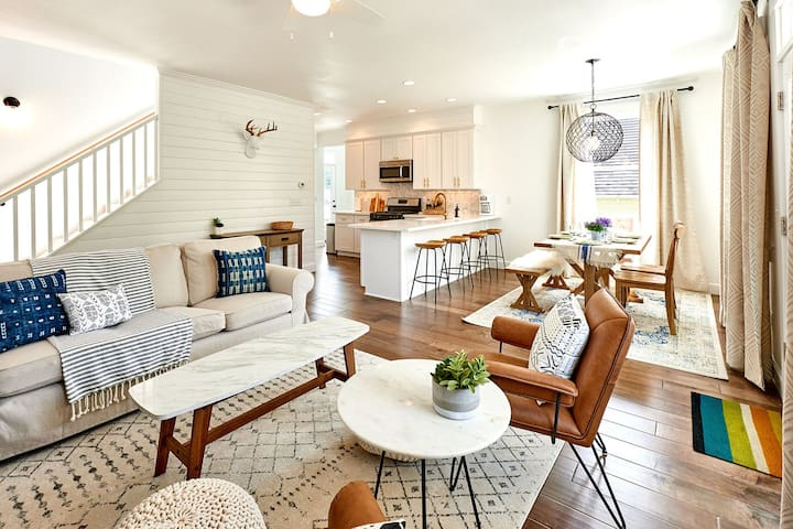 BRAND NEW @ Olivia Beach - Beach Vibes Cottage! - Lincoln City - House