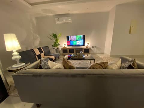 New and furnished Apartment *شقة جديده بالملقا*