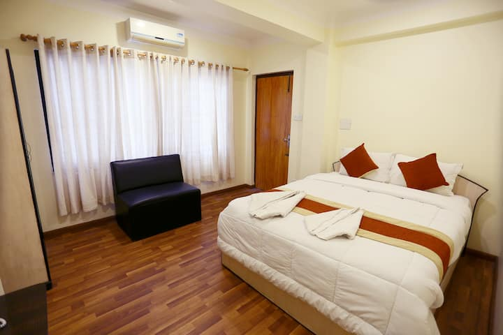 Double Bed Room At Thamel