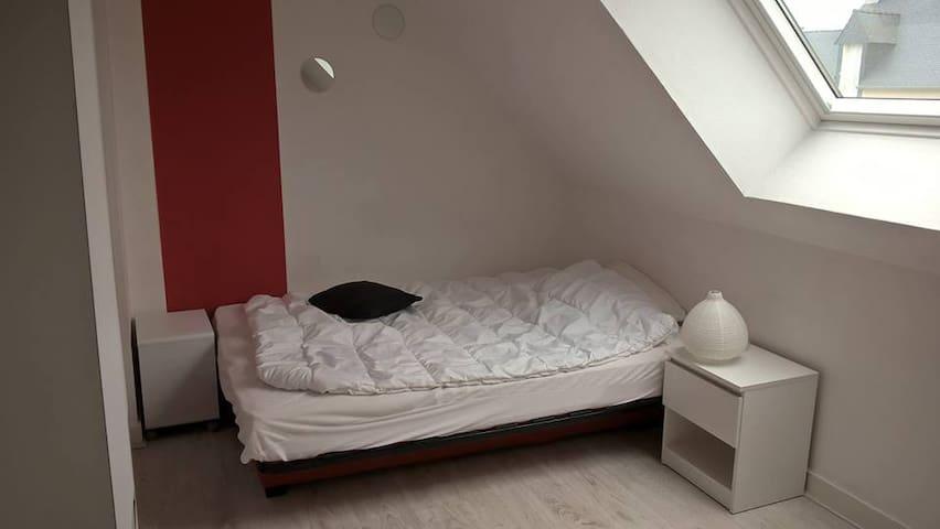 chambre dans maison centre Bourg