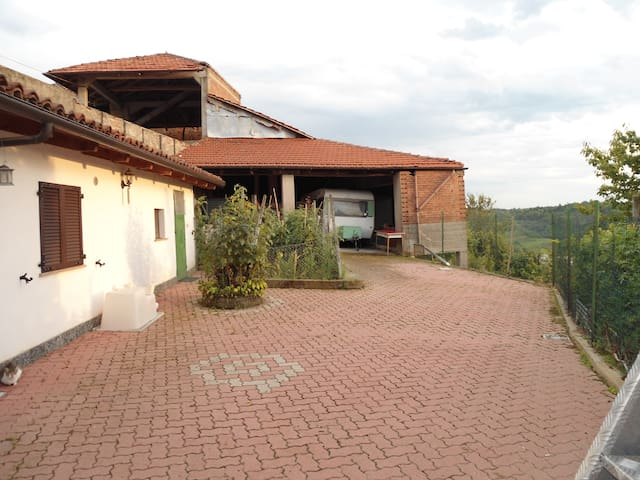 CASA IN CAMPAGNA - Montechiaro d'Asti - House