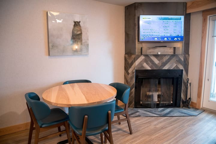 Quiet, Bright, Cozy Banff Condo | Stay among the peaks!
