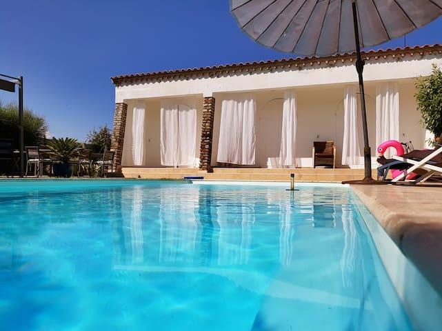 Belle villa avec piscine 3 chambres et jardin