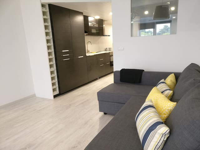 Beach Apartment with Private Terrace - Carcavelos - Apartamento