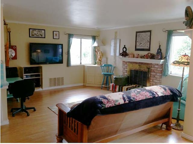 Clean and Comfortable Artist's Beach Studio - Baywood-Los Osos - Leilighet